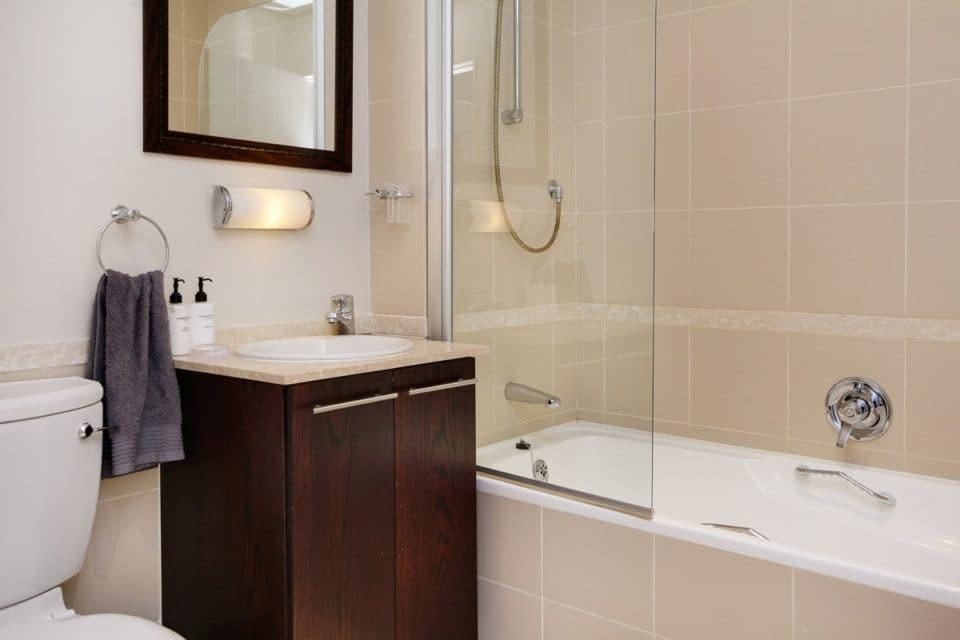 Dunmore Apartment - Dedicated Bathroom