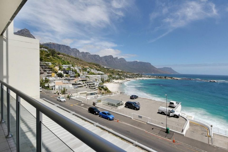 Dunmore Apartment - Clifton Beach Views