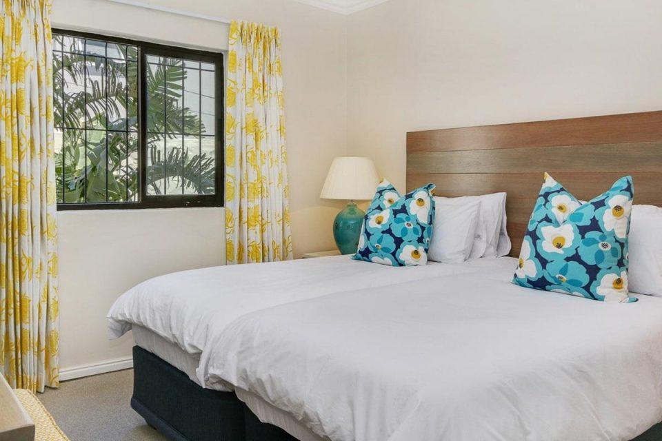 Jumeirah Blue - Second bedroom