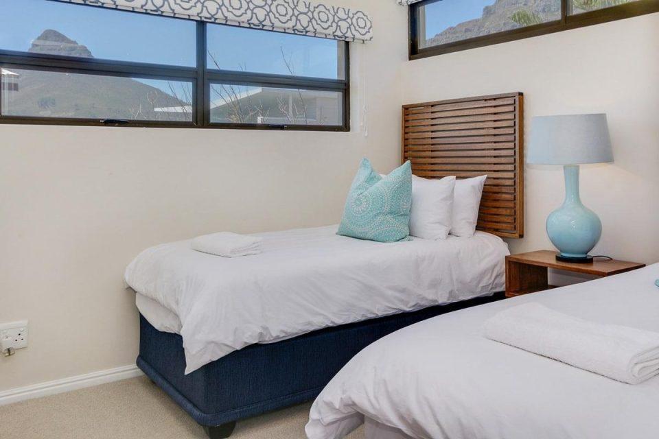 Jumeirah Blue - Fourth bedroom