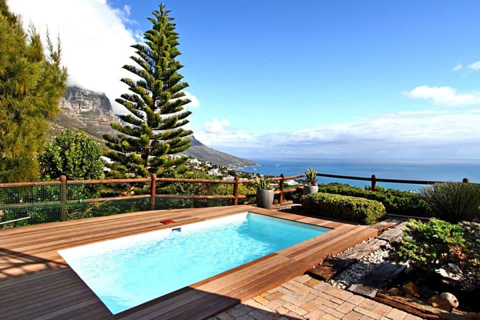 The Kestrel - Pool & view