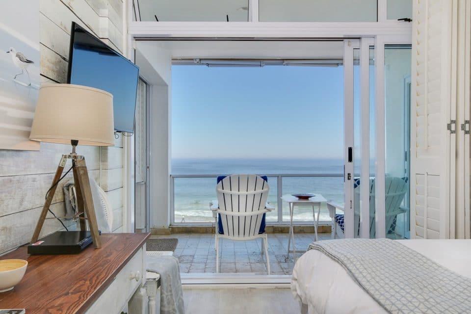Clifton Attina - Master bedroom & Views