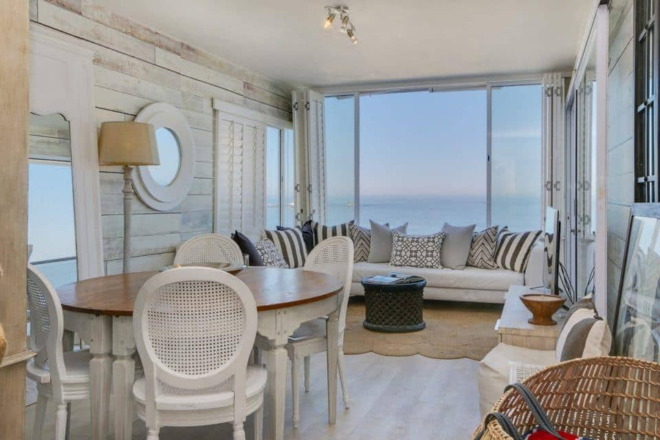 Clifton Attina - Living & dining area with Views