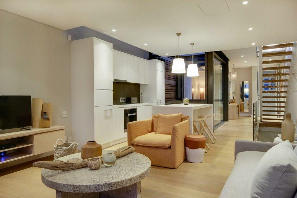 Loader A - Living & Kitchen area