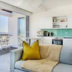 Modoco - Lounge to Kitchen