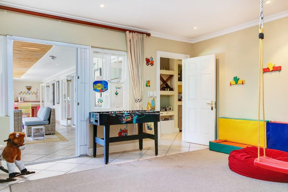 almond-villa-38785349
