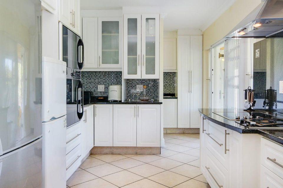 almond-villa-38785351