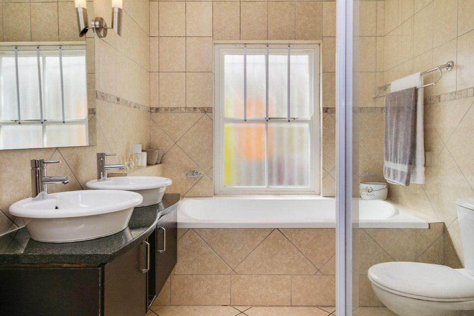 almond-villa-38785357