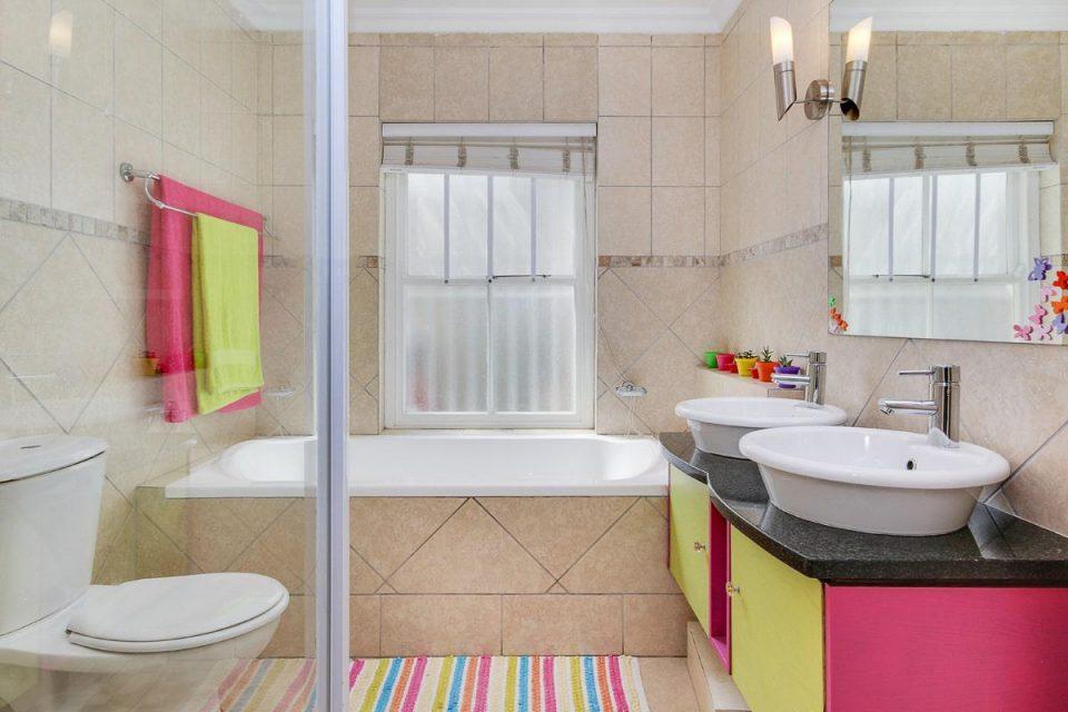 almond-villa-38785360