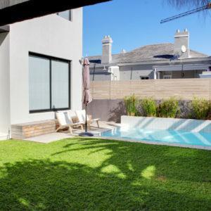 Ave Des Huguenots - Garden & Pool