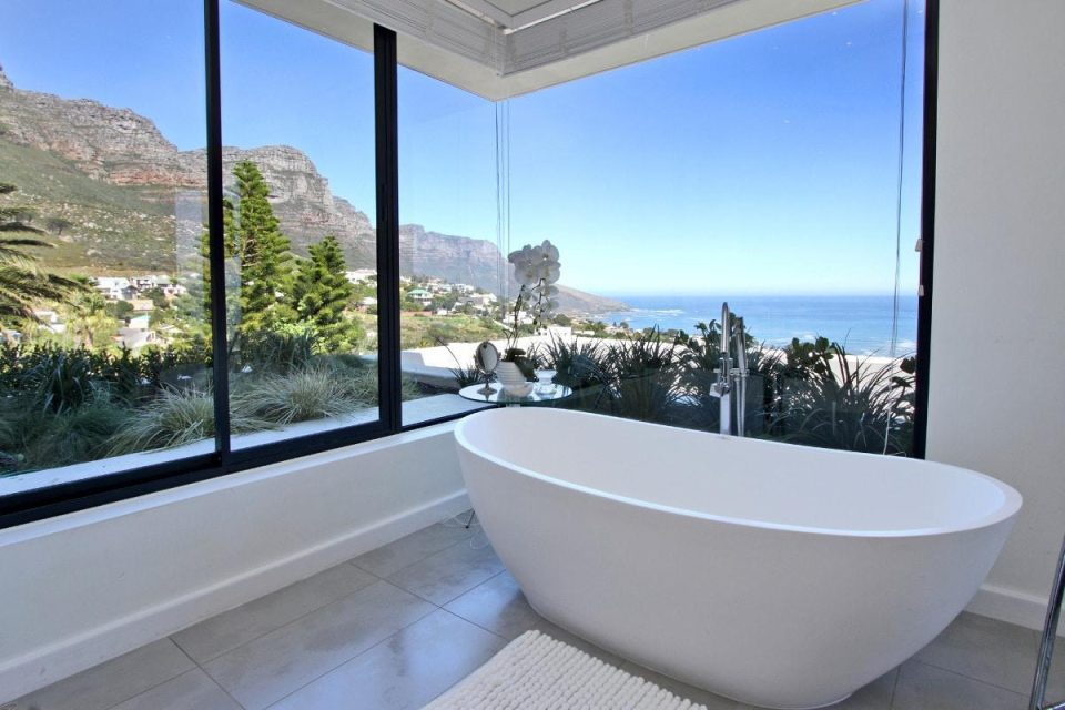 44 Hely - Bath & sea views