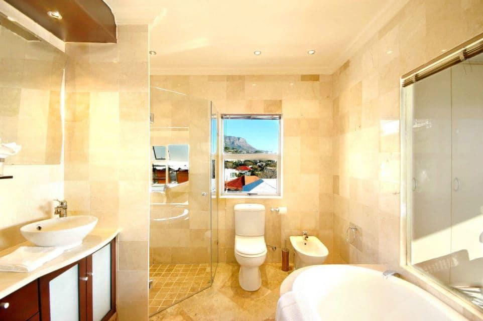 aquatic-penthouse-40366421