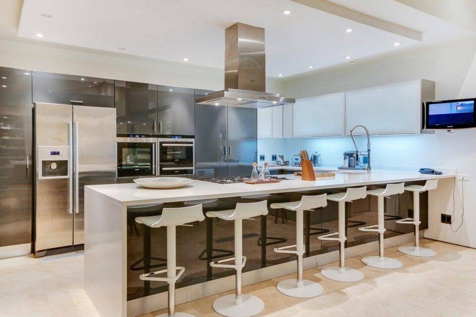 Prima Views - Kitchen
