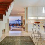 Villa Olivier - Kitchen & View