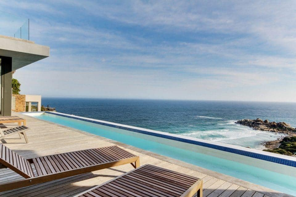 13 Fisherman Bend - Pool & view