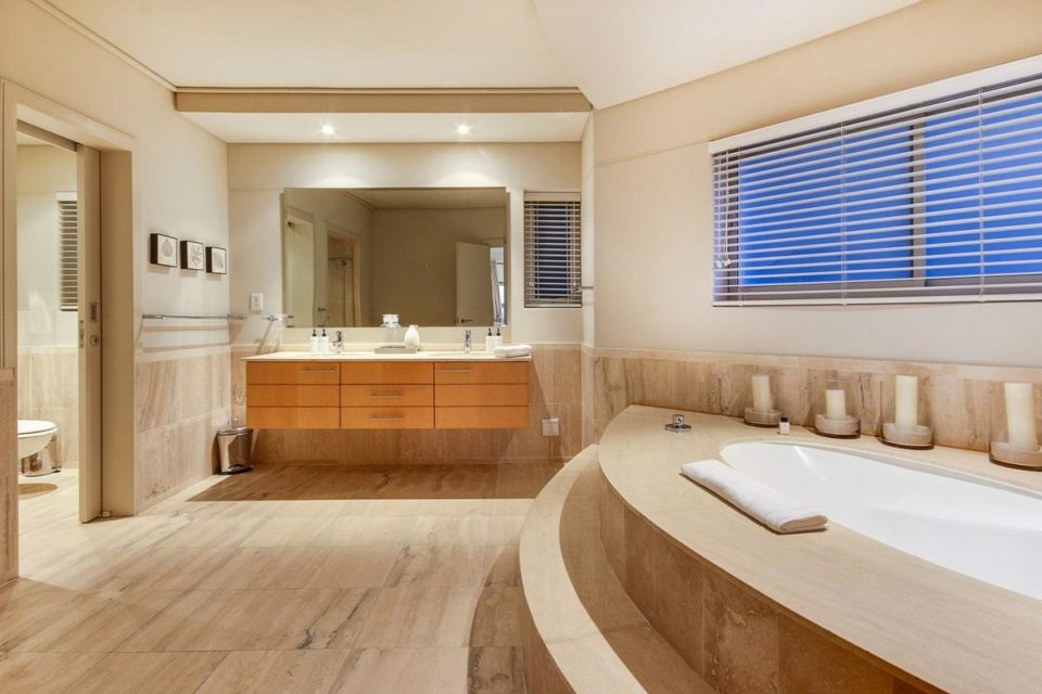 Dunmore Views - En-suite to master