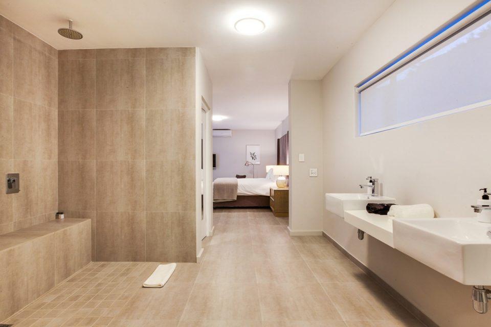 Apostle's Edge - Master Bathroom
