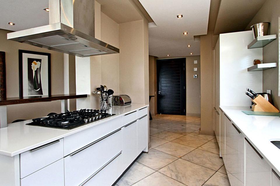 Houghton Heights B - Kitchen