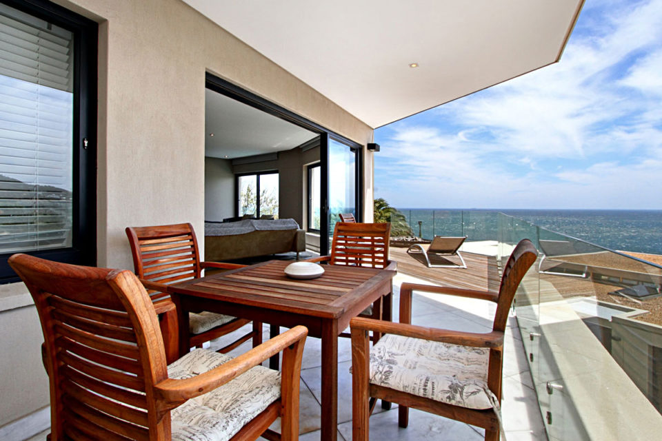 Houghton Heights B - Outside Seating