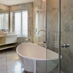 Houghton Heights B - Shared Bathoom