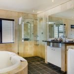 Bakoven Blue - En-suite to master bedroom
