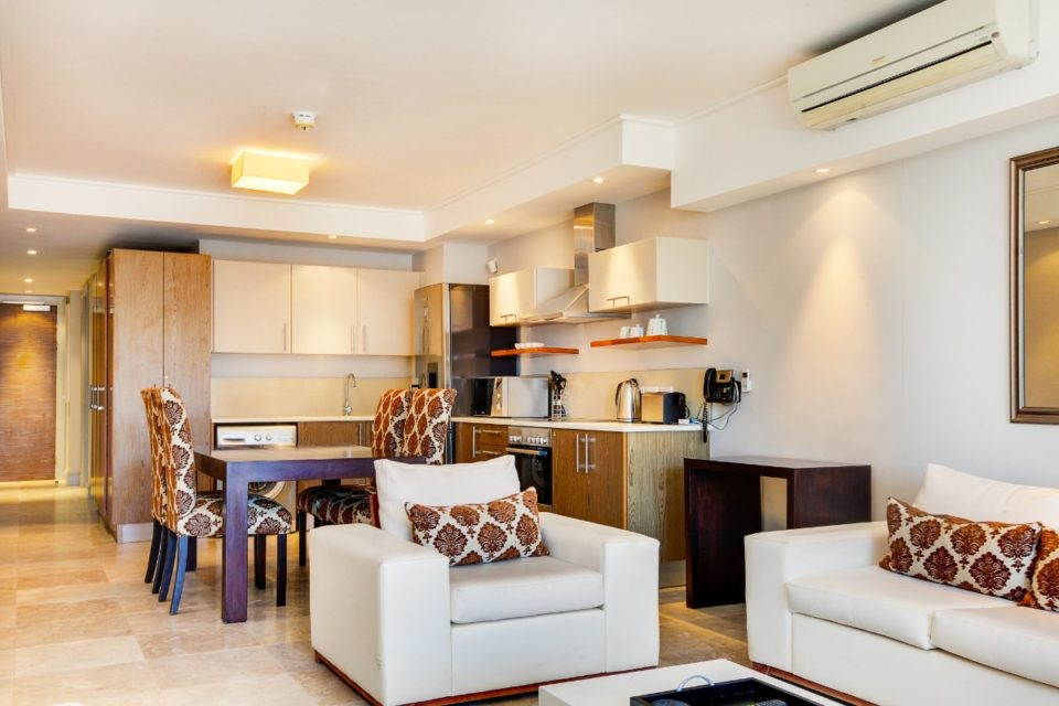 Canal Quays 506 - Living area and Kitchen