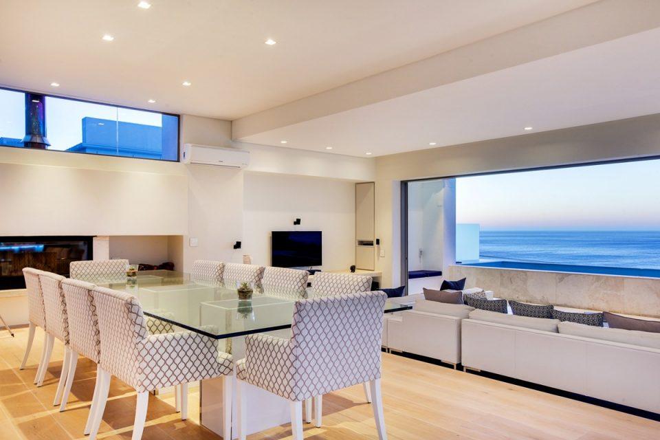 Brightside - Dining area
