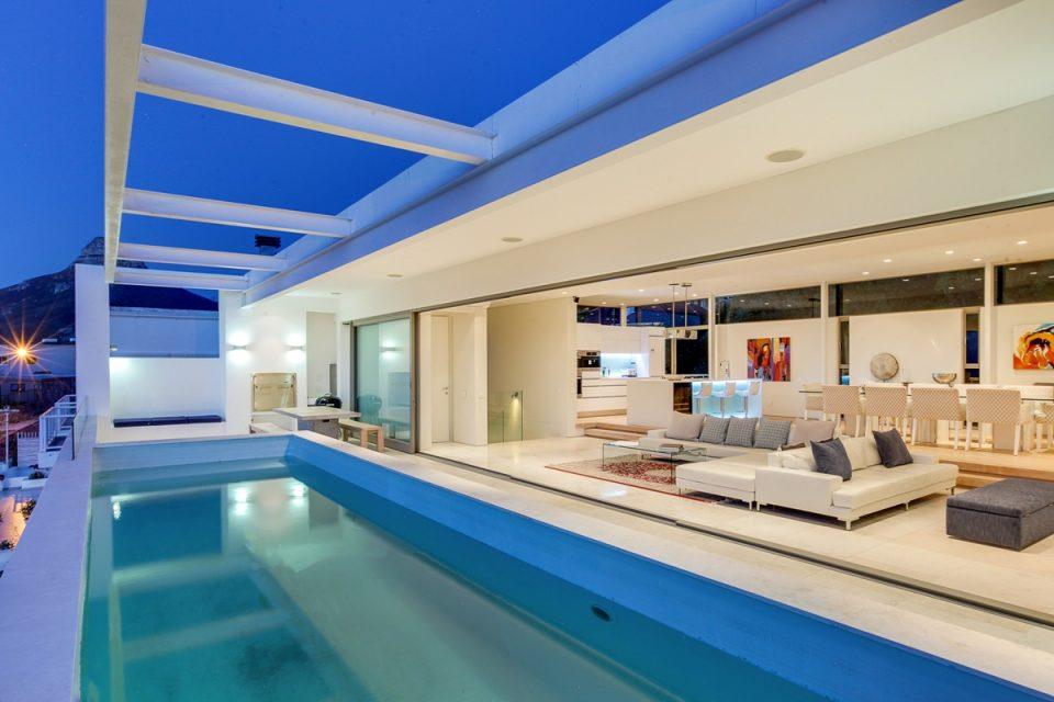 Brightside - Exterior & pool
