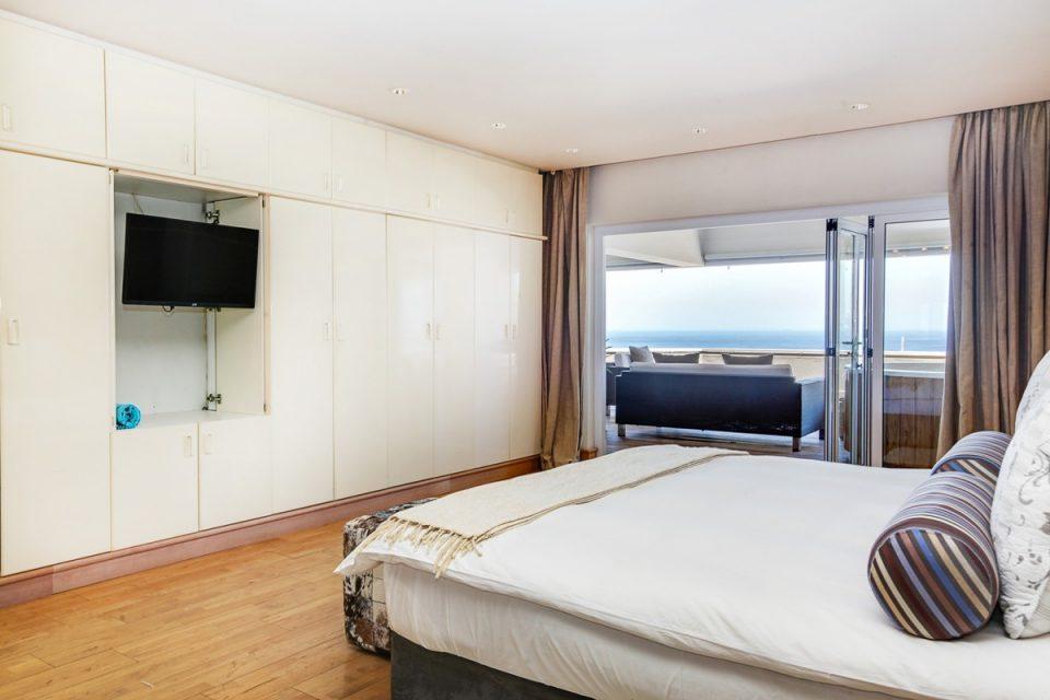 Rhapsody - Master bedroom & view