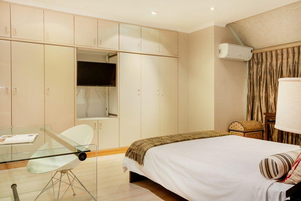 Rhapsody - Second bedroom & TV