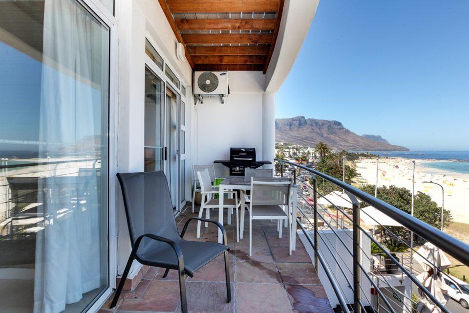 Seasonsfind The Bay - Balcony & Views