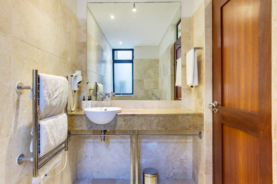 Bali Luxury Suite E - En-suite to Third bedroom