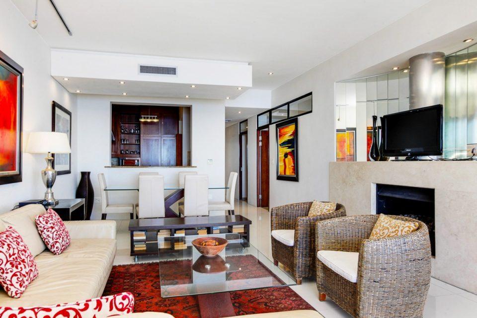 Bali Luxury Suite E - Living & dining area
