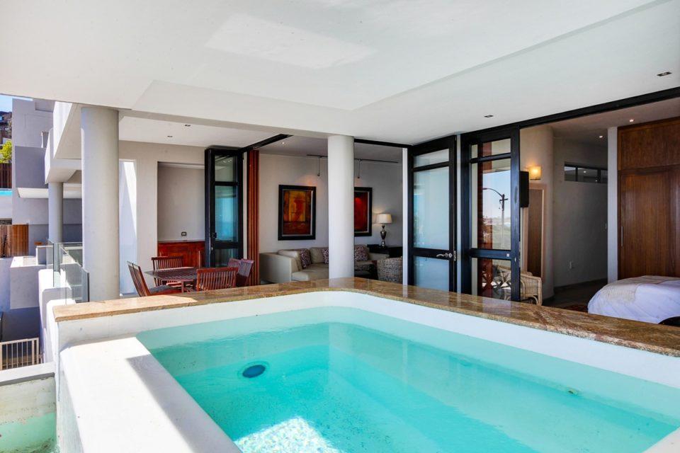 Bali Luxury Suite E - Pool