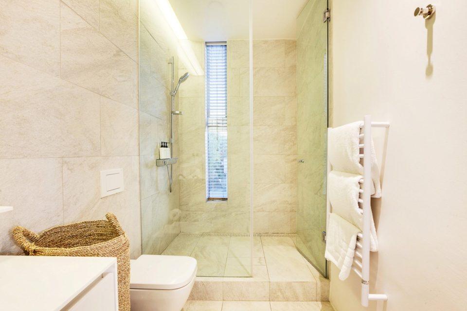 Topaz - Bathroom
