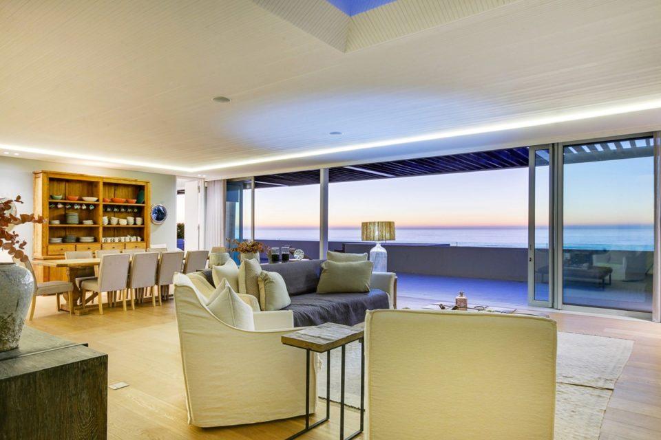 Topaz - Living area & Views