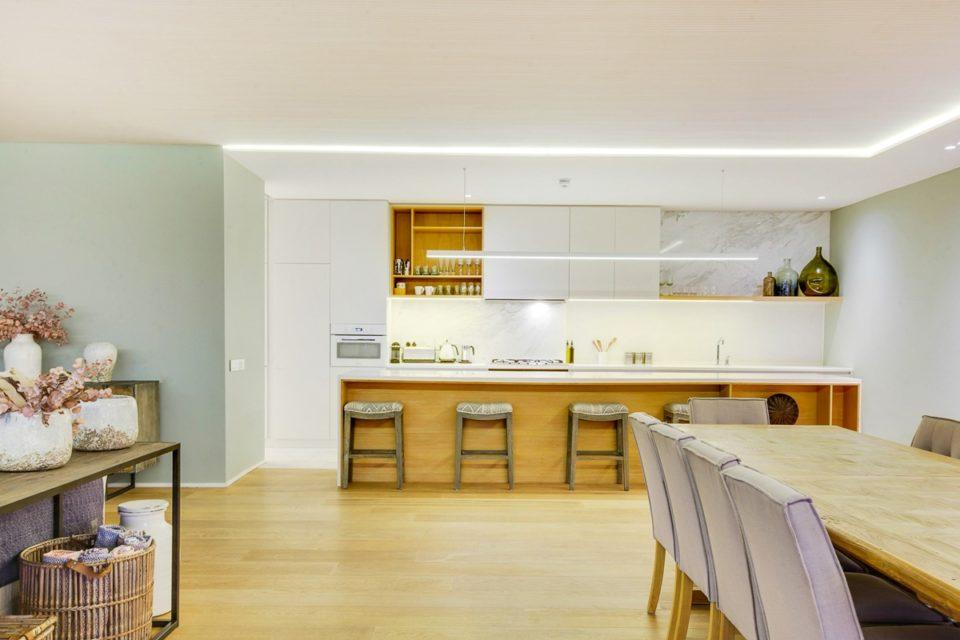 Topaz - Dining & Kitchen area