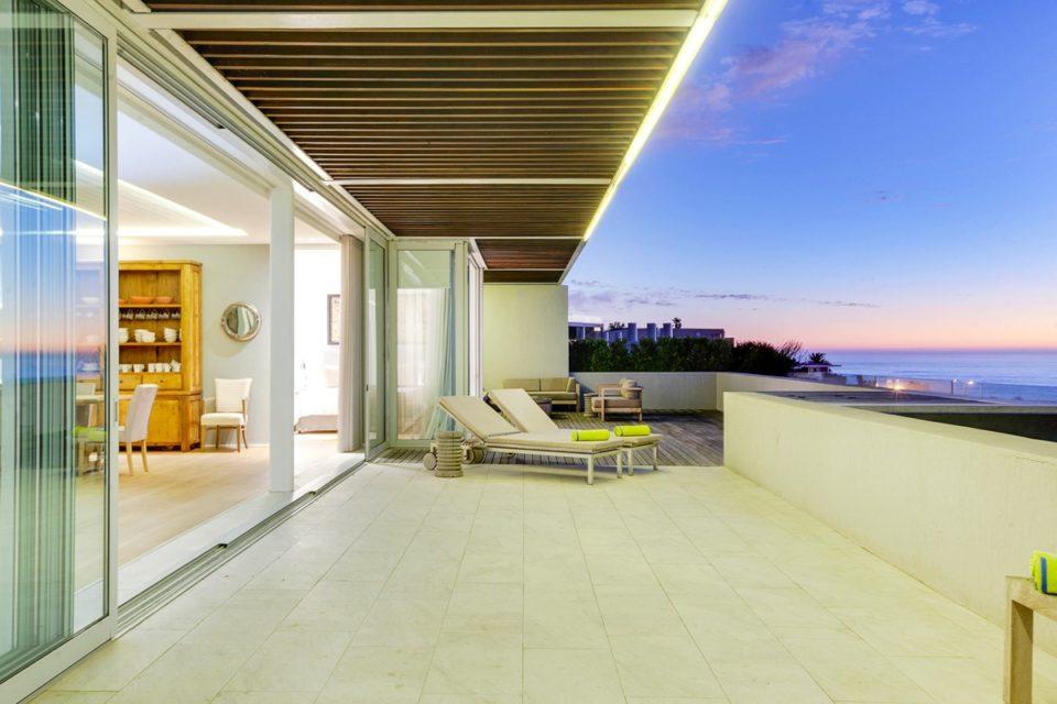 Topaz - Balcony & Views