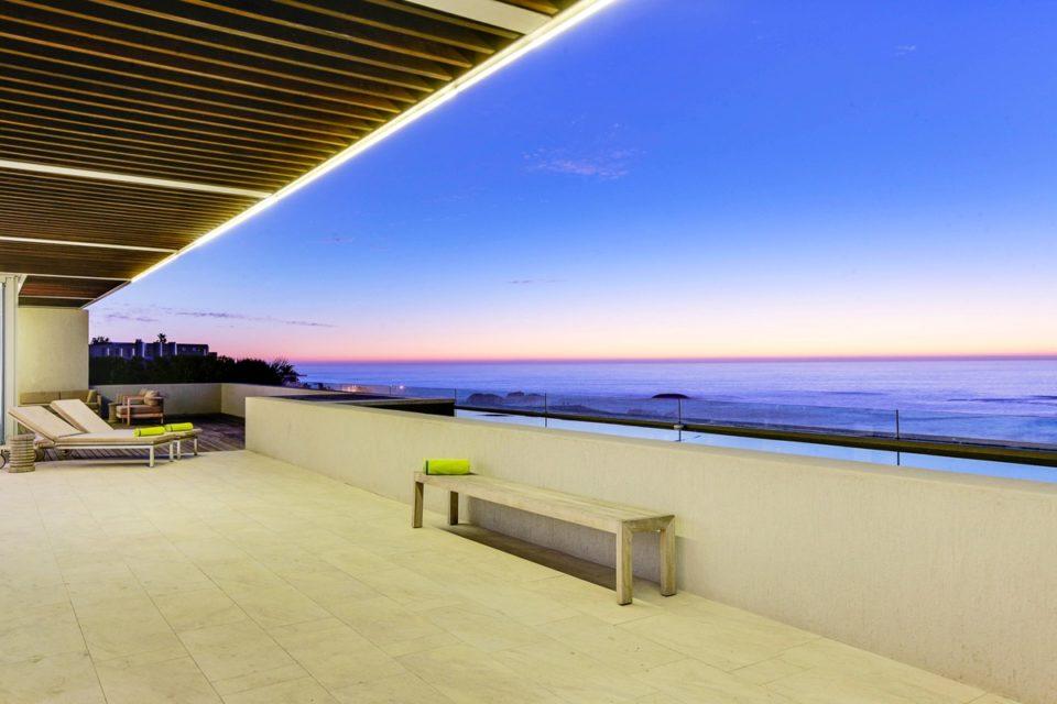 Topaz - Sea Views