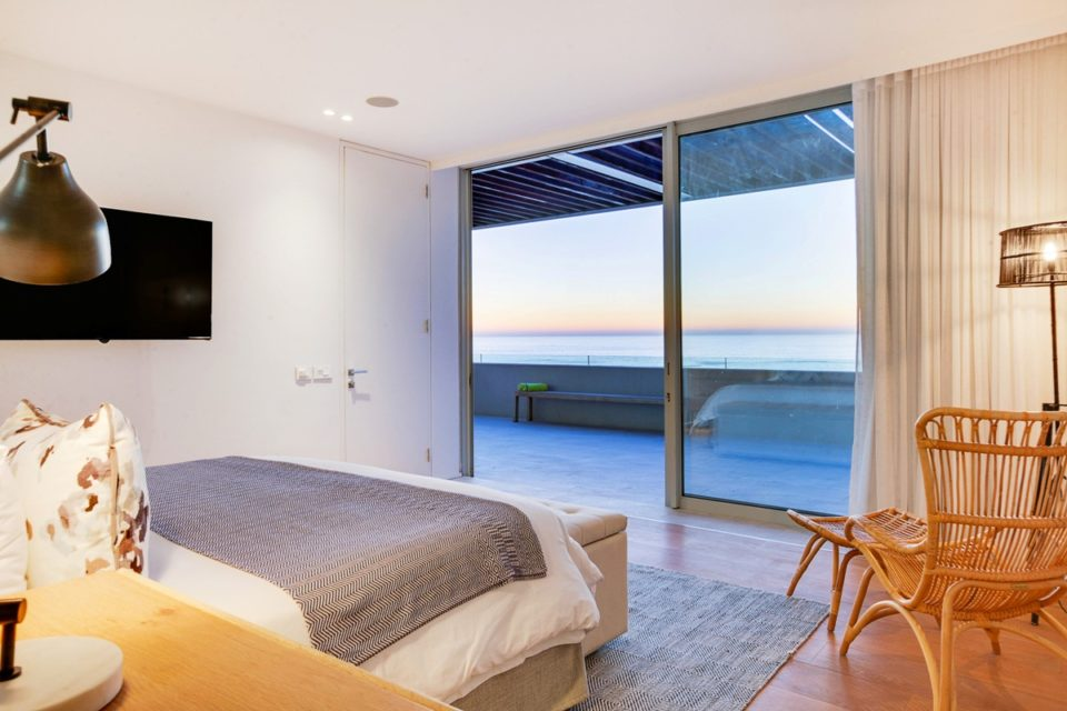 Topaz - Master bedroom & views