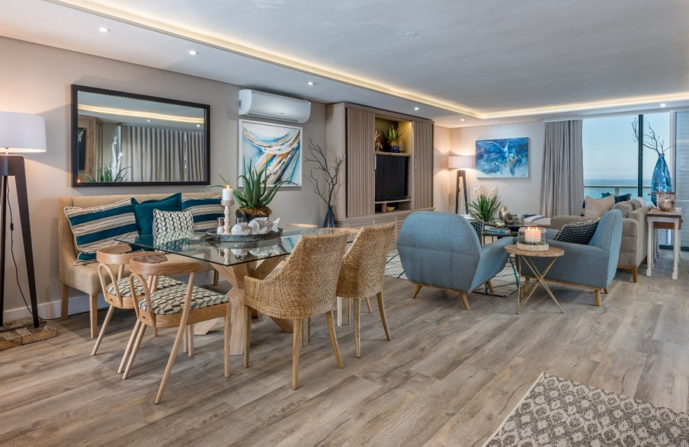 9 On Nautica - Living & Dining area