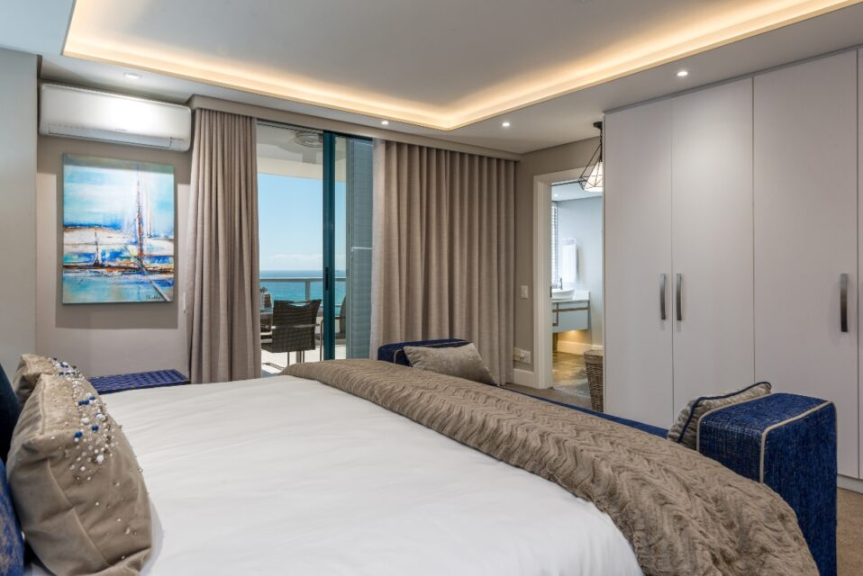9 On Nautica - Master bedroom & Views