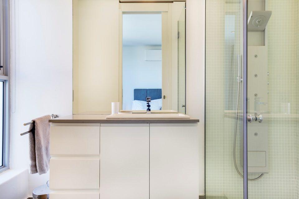 Habrok - En-suite to second bedroom