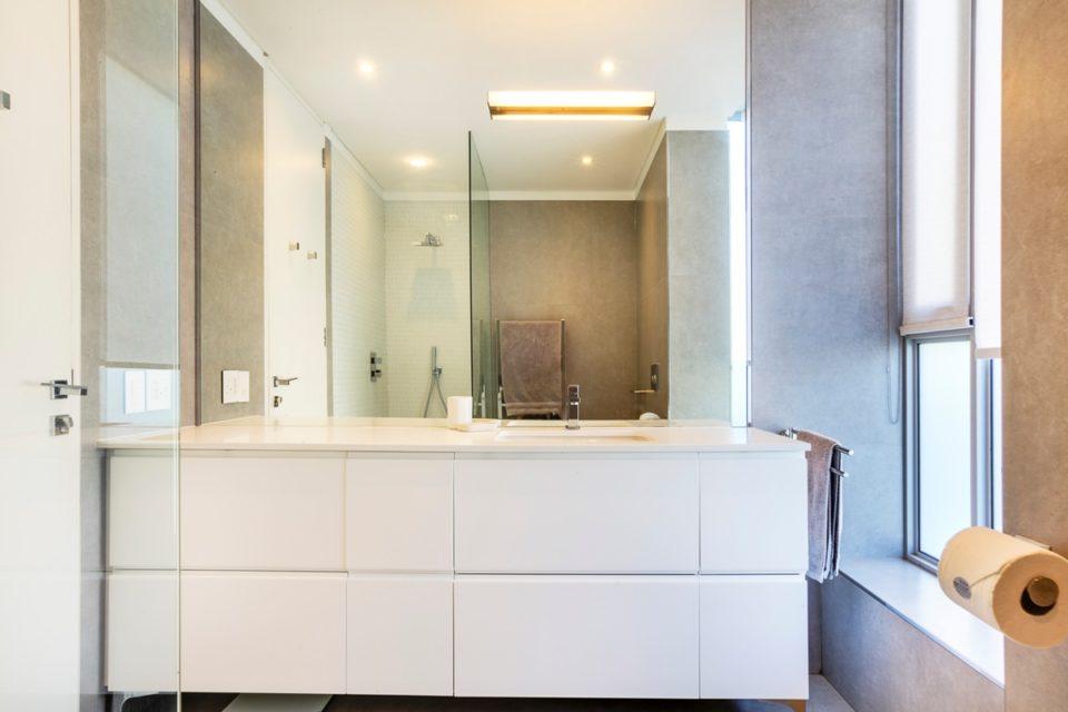 Habrok - En-suite to master bedroom