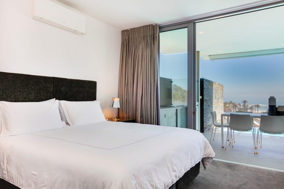 Habrok - Master bedroom & Views
