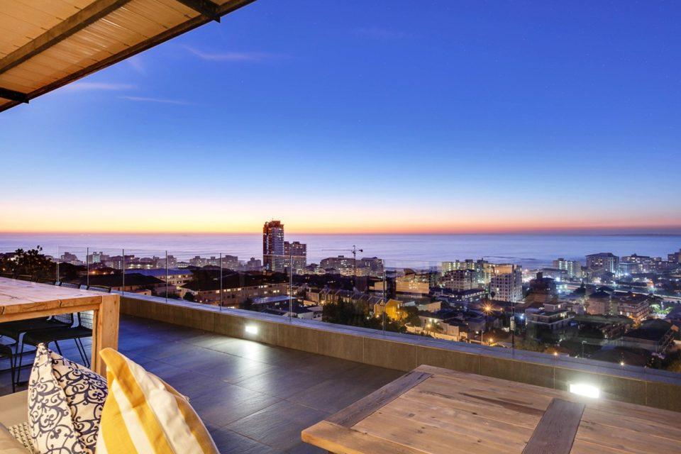 Happy Days - Balcony Views