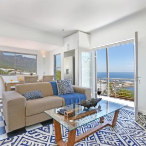 Indigo Bay - The Bay - Living room & View