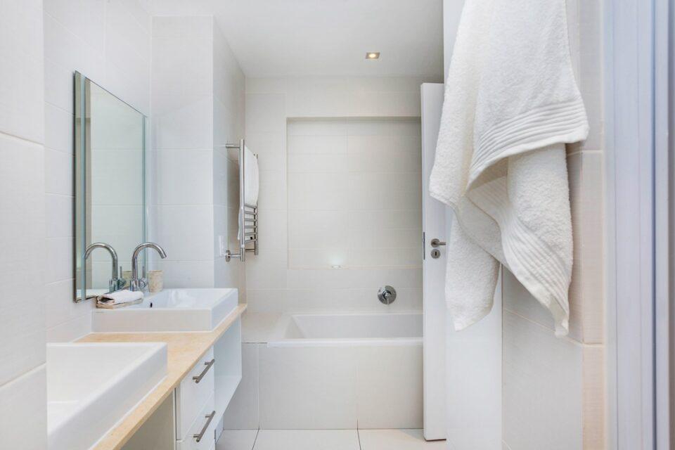 Malachite - En-suite to master bedroom
