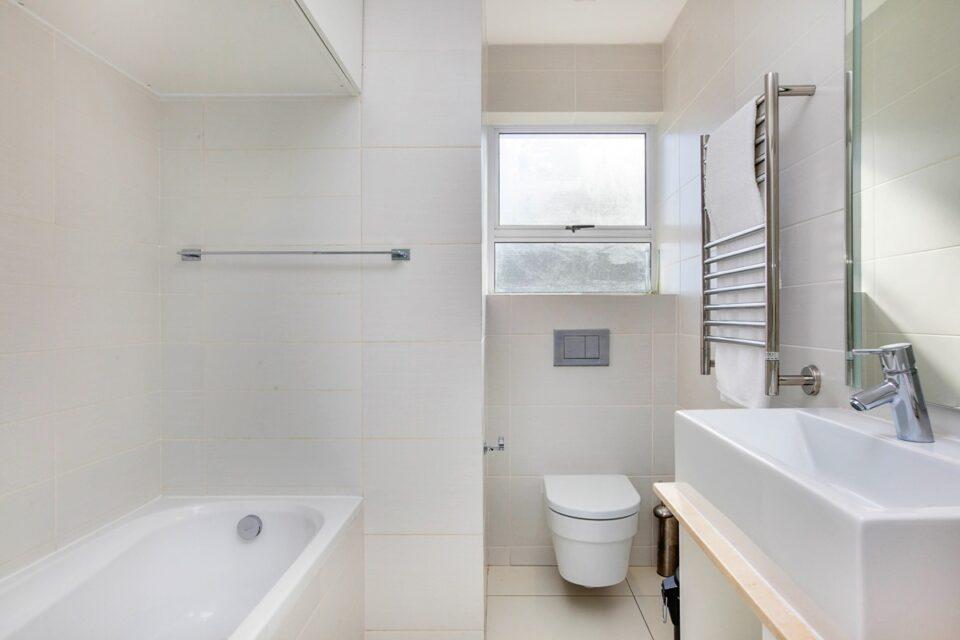 Malachite - Second bathroom