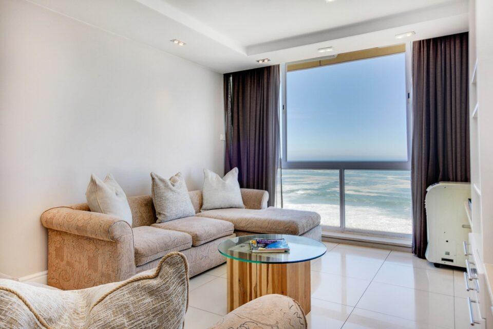 Malachite - Lounge & Sea views